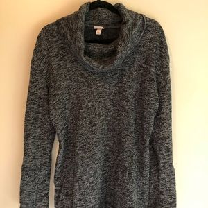 Cowl neck, long grey sweater